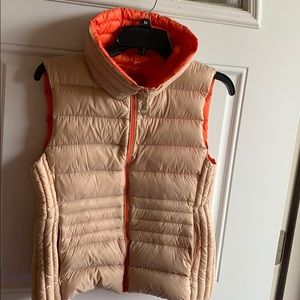 Vince Camuto puffer vest. Size small